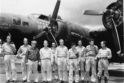 Cap'n and the Kids - B17 - 43rd Bomb Group - 63rd Squadron - Serial #41-24335 - PH00032284 (Frederick German Collection)