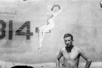 Sharpe 33 (Thomas Sharpe Collection) : Unnamed Nose Art