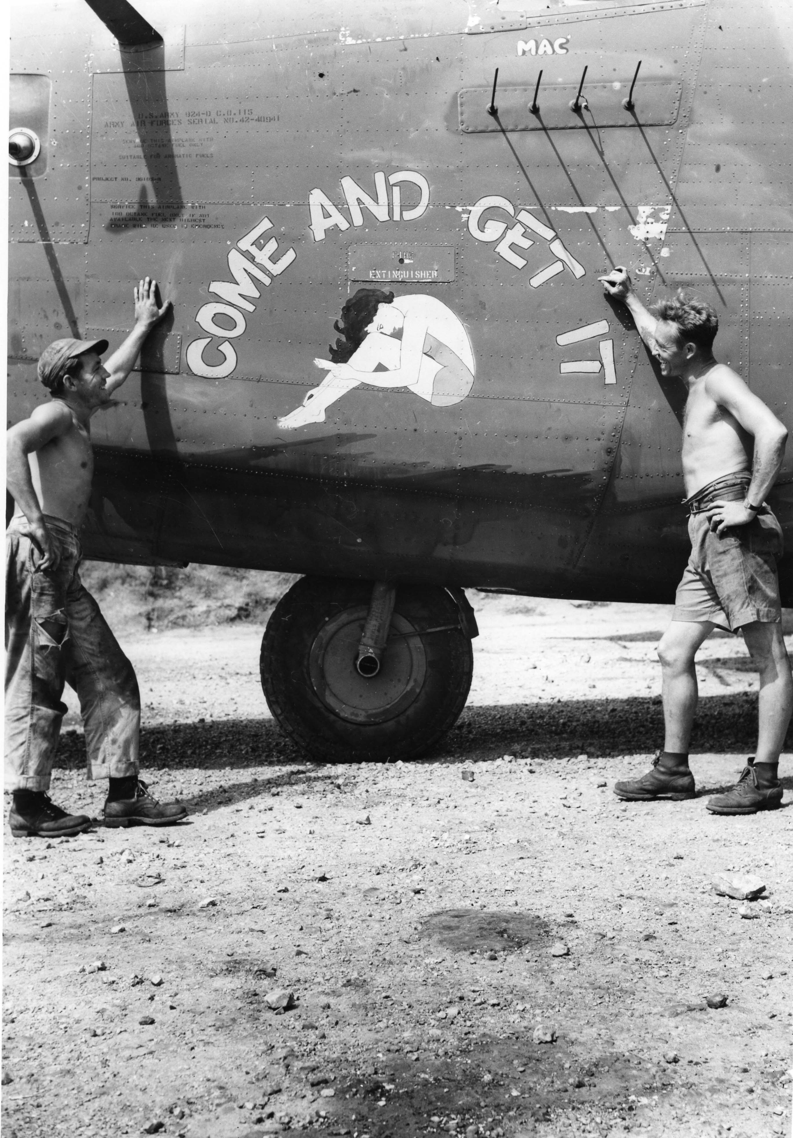 Come and Get It - B24D - 43rd Bomb Group - 64th Squadron - Serial #42-40941 - PH00005465 (Frederick German Collection)