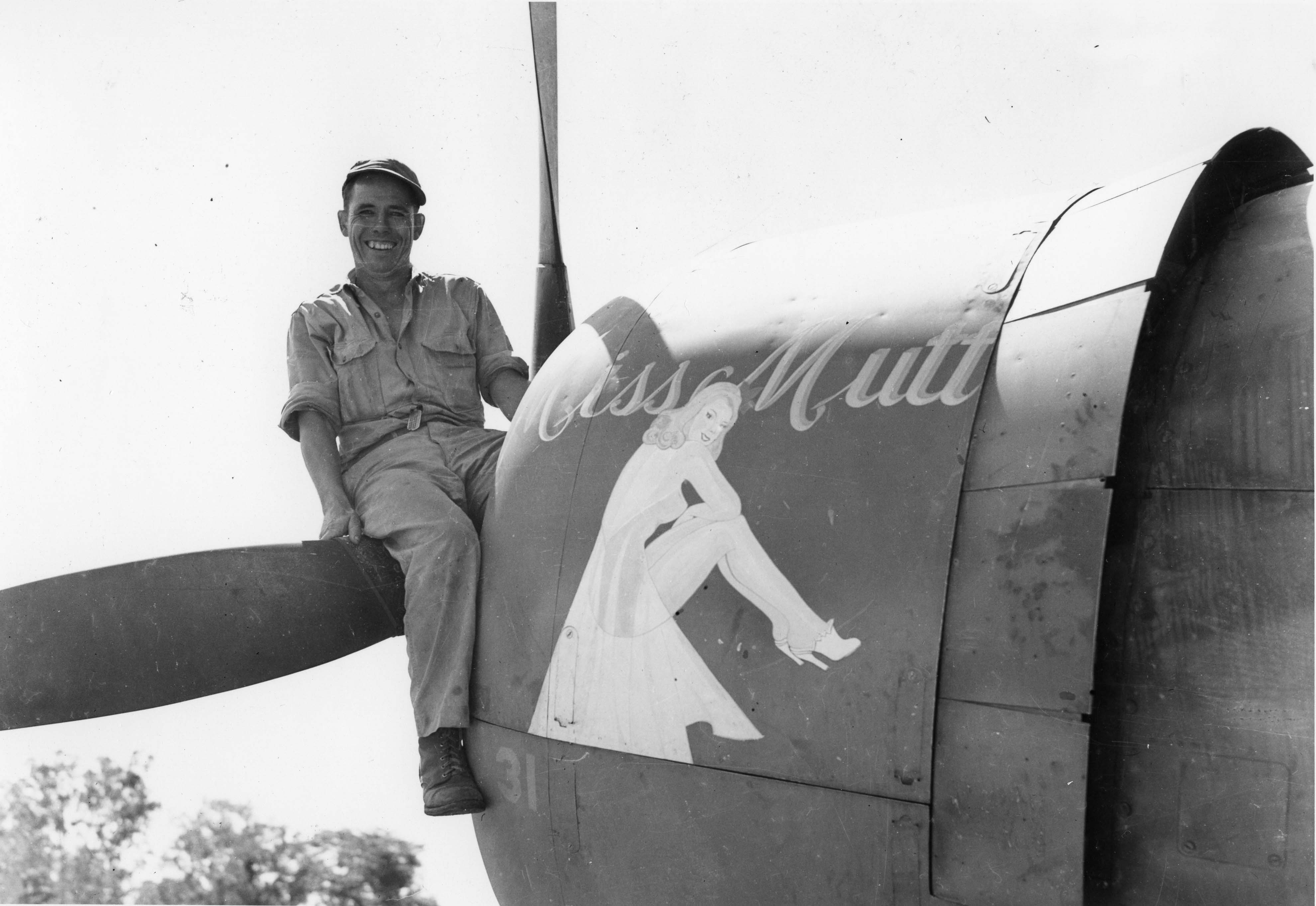 Miss Mutt : P-47 : 348th Fighter Group : 341st Squadron : PH00005476 (Frederick German Collection)